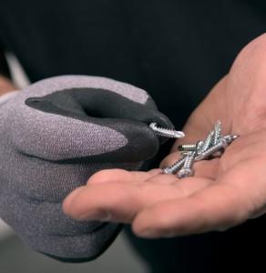 Tigerflex Nitril schränkt die Fingerfertigkeit nicht ein