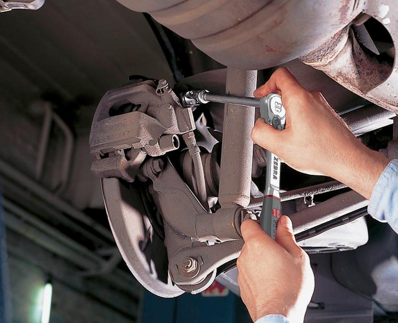 Die staubgeschützte Umschaltknarre ist praktisch wartungsfrei! Das ist speziell dort von Nutzen, wo Werkzeug Verschmutzungen ausgesetzt ist.