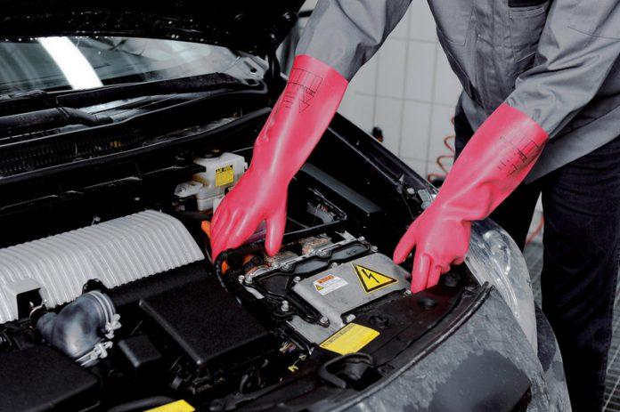 Spannungsschutz-Handschuh von Würth