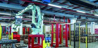 Roboter für die automatisierte Versandpalettierung sorgen für Entlastung bei den Mitarbeitern. ©Würth